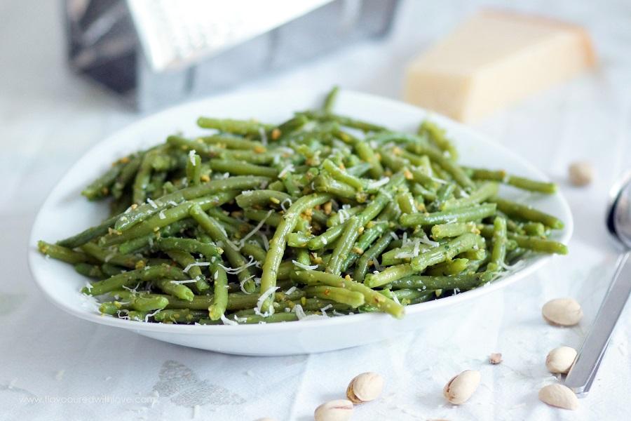 Grüne Bohnen mit Pistazienpesto / Green Beans with Pistachio Pesto