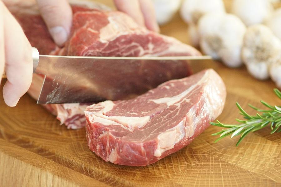 entrec te mit knoblauch rosmarin kruste ribeye steak with garlic rosemary crust flavoured. Black Bedroom Furniture Sets. Home Design Ideas