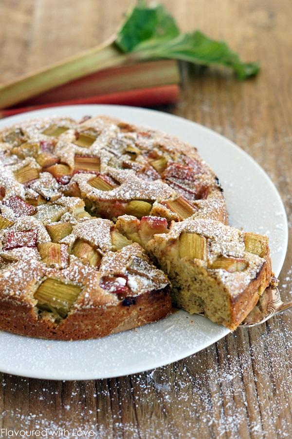 Rhabarber polenta kuchen flavoured with love for Kuchen unterschrank 150 cm